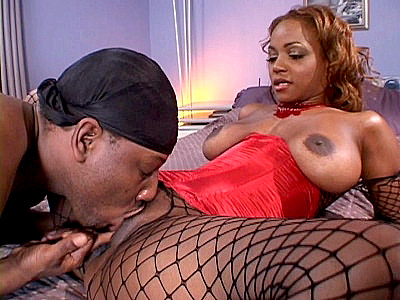 Sinnamon Love video: Love - Muff Munched Ebony Sinnamon